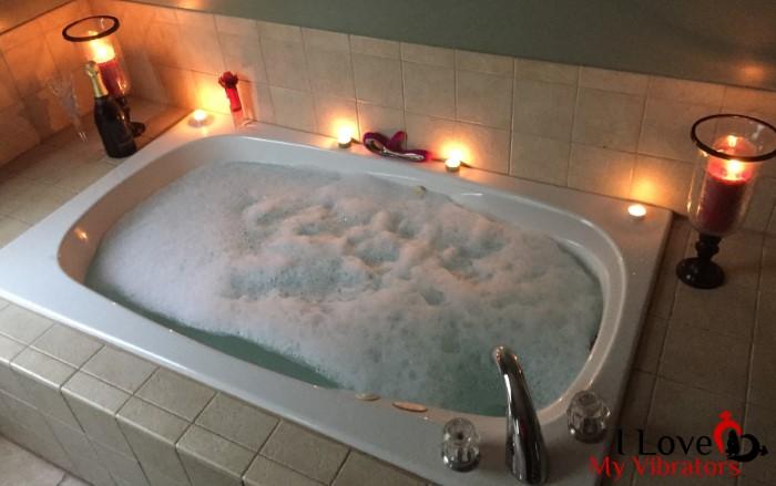 lelo soraya waterproof rabbit vibrator on bubble bath